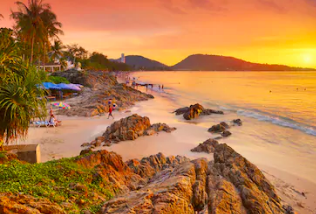 จองโรงแรมและที่พักในหาดป่าตองกับ Booking.com เริ่มเพียง 678 บาท เท่านั้น