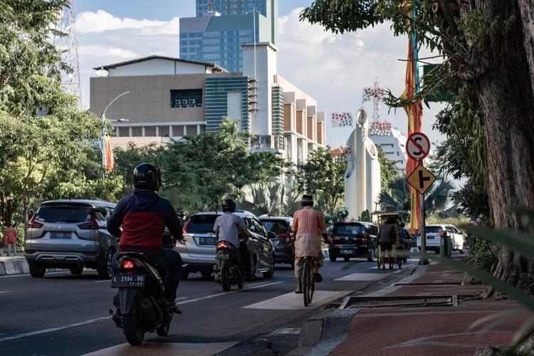 จองรถเช่าออนไลน์ ดีลพิเศษ rental cars สำหรับเที่ยวประเทศอินโดนีเซีย บาหลี รับเงินคืนจากช้อปแบค 6%