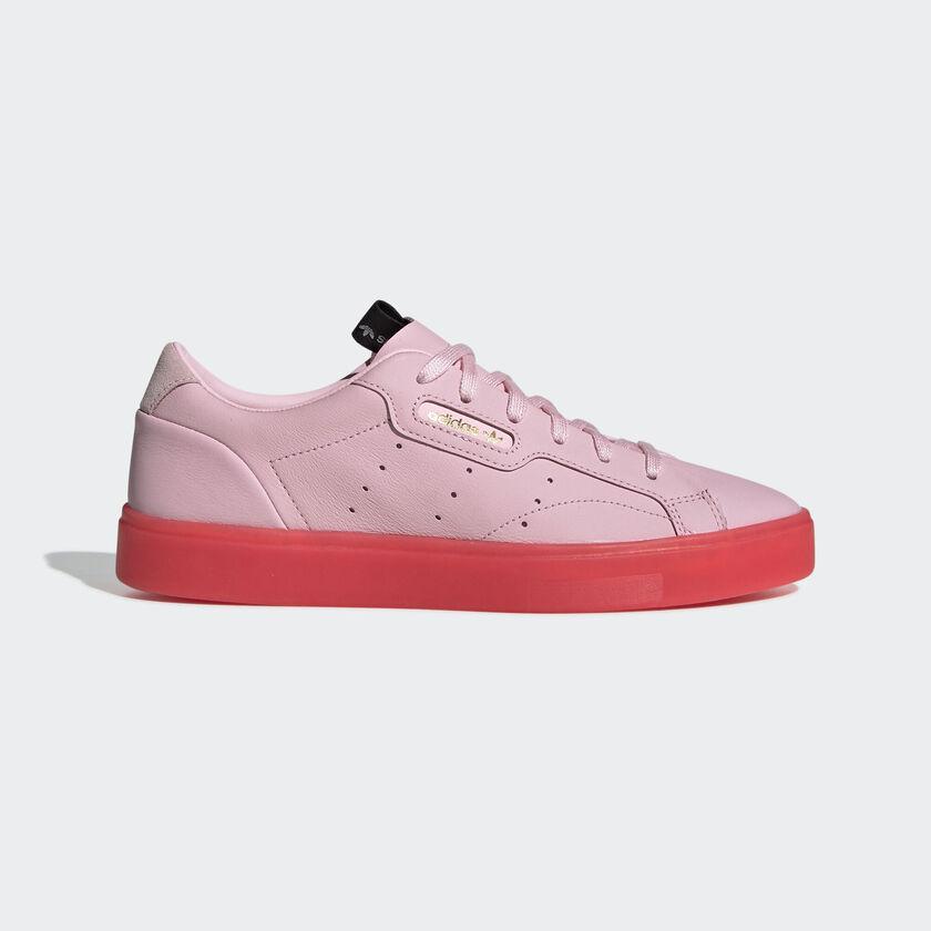 Adidasโปรโมชั่น รองเท้า ADIDAS SLEEK สุดชิค ลดราคา 40% เหลือเพียง 2,100฿