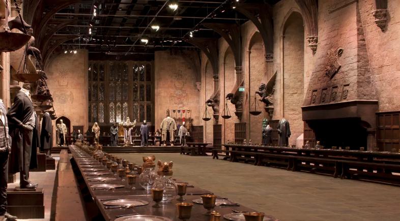 สุดคุ้ม ทัวร์สตูดิโอถ่ายทำภาพยนตร์เรื่องแฮร์รี่ พอตเตอร์ ที่วอร์เนอร์ บราเธอร์ส สตูดิโอ (Warner Bros. Studio) ในลอนดอน พร้อมบัตรรถไฟแบบไปกลับ