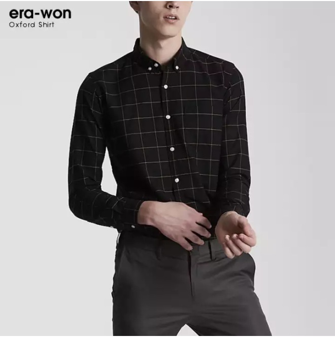 พบกับ เสื้อเชิ้ต era-won ทรงสลิม Oxford Shirt สีดำ ลายตาราง (Golden road) ลดราคาเหลือเพียง 750 บาท
