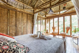 จอง airbnb ส่วนลดที่พักสุดโรแมนติก Cabana wth View ประเทศ อาร์มีเนีย เพียง1พันต้นๆต่อคืน