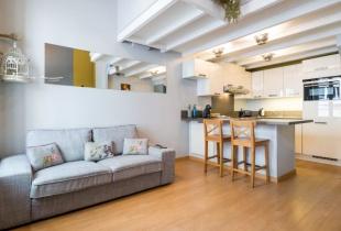 airbnb ส่วนลด ที่พักใน Lyon, France บ้านทั้งหลังที่มีดีไซน์โมเดิร์นมากเหมาะกับคนที่รุ่น ทุกวัย เริ่มต้นคืนละ 2,000 บาทเท่านั้น